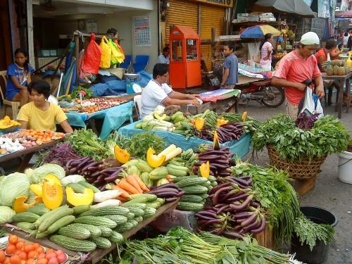 Овощной базар в Азии